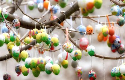 Πασχαλινά έθιμα και παραδόσεις από όλο τον κόσμο στην Palso